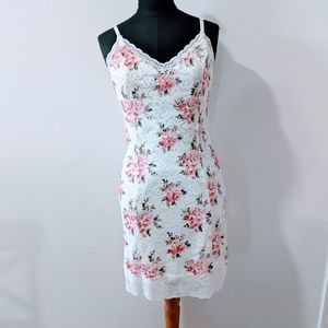 Forever 21 Floral Rose Lace Bodycon Dress